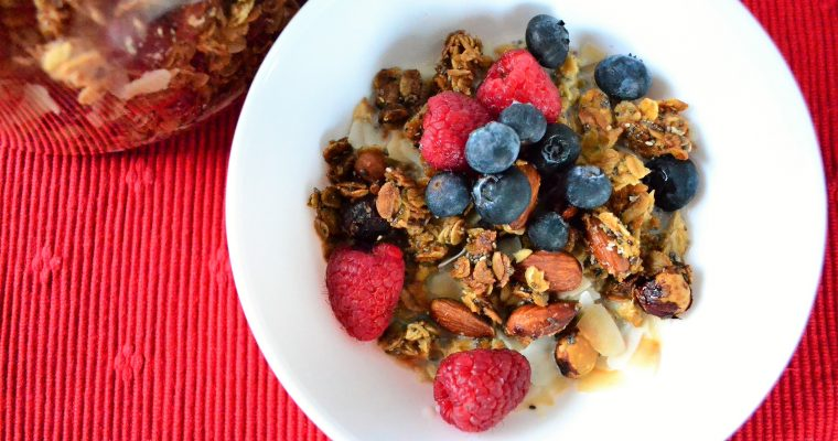 Crunchy Oat And Nut Granola